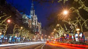 in photos the beautiful christmas lights covering budapest