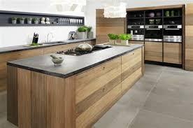 cuisines en bois modele de table de cuisine en bois get green design de maison