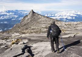 Rugged Mountain Range Rugged In Spanish English Spanish Translator Nglish By Britannica