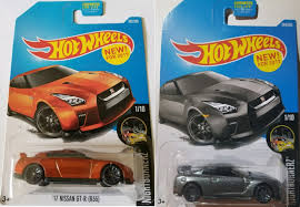 nissan hotwheels wheels 2017 u002717 nissan gt r r35 orange and gray bundle