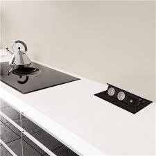 prises électriques rétractables noir alton pour la cuisine