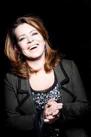 hairstyle show st louis mo may 2015 st louis native comedian kathleen madigan returns home for