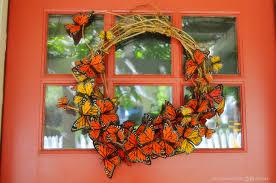 butterfly wreath farmhouse38