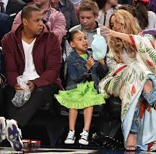 Blue Ivy Meme - beyonce treats blue ivy to cotton candy at nba game daily mail online