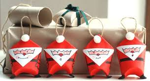 easy tutorial for toilet paper santa ornaments