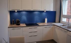 cuisine blanche et bleue cuisine blanche et bleu wordmark