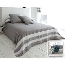 plaid sur canapé plaids et jetés de canapé large choix de plaids et jetés de