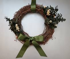 Holiday Wreath An Earthy Elegant Diy Holiday Wreath