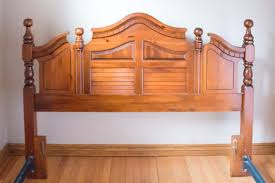 How To Repaint Wood Furniture by How To Paint Wood Furniture The Easy Way Lakeside Room Headboard