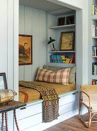 Den Ideas Best 10 Cozy Den Ideas On Pinterest Reading Room Dark Walls