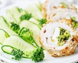 cuisiner brocolis frais recette de roulés croustillants de dinde au brocoli et fromage frais