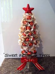 red white u0026 gold milk chocolate lindt christmas lolly tree
