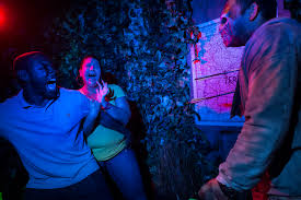 halloween horror nights news 5 best mazes of universal orlando u0027s halloween horror nights 2014