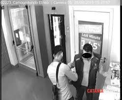 rapina in rapina in sequestrato il direttore catturati due criminali
