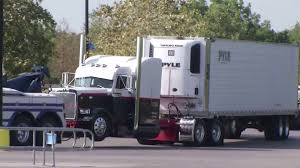 Trailers For Sale Near San Antonio Tx 9 Now Dead In San Antonio Human Trafficking Tractor Trailer Found