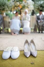 wedding shoes bandung a traditional sundanese outdoor wedding in bandung bridestory