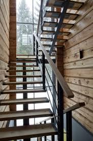 stahl holz treppe moderne treppen ideen podesttreppe holz stahl schwarz diy und