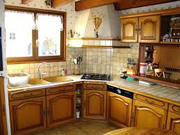renovation cuisine rustique relooker une cuisine rustique en chene renovation cuisine cuisine
