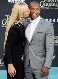 kissing family thanksgiving lindsey vonn shares kiss with new boyfriend