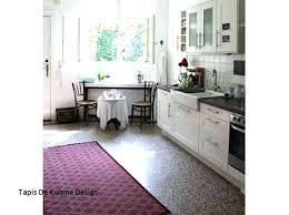 tapis pour cuisine tapis de fleurs with tapis cuisine design tapis pour cuisine design