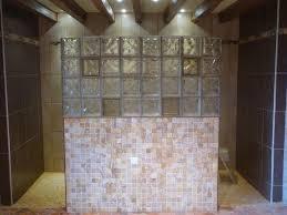 brique de verre cuisine mur de briques de verre suite qu est ce qu on est bien dedans