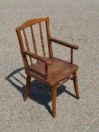 chaise vintage enfant mobilier vintage pour enfants chaises tables coffres à jouets