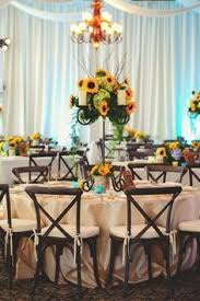 Sunflower Wedding Centerpieces by Sunflower Centerpieces For Late Summer Picnic Inspirations