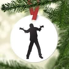easy tree themes alternative ornaments