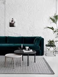 interiors canapé pi un canapé en velours sinon rien interiors and walls