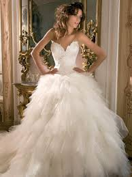 wedding dresses 2011 ruffled wedding dress