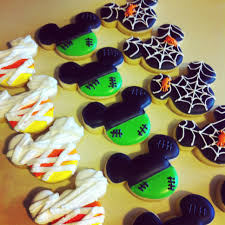 mickey mouse halloween stencil halloween themed mickey mouse cookies come on in my pretties