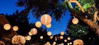 paper lanterns with lights for weddings outdoor wedding reception lighting tips werenttables com