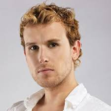 wiry short wavy hair what styles suit how to style short curly hair for men