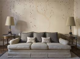 tapete wohnzimmer muster tapeten wohnzimmer beige polsterdofa chinesische blüten