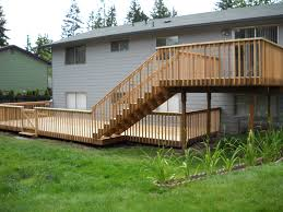 Split Level Front Porch Designs by Best 25 Two Level Deck Ideas On Pinterest Backyard Decks Large
