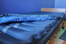 how a low air loss mattress can help keep patients wound free