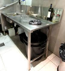 plonge cuisine professionnelle plonge en inox alimentaire adosse un bac avec etagere basse avec