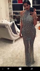 roaring 20 s fashion hair dress shiny dress shiny beaded dress kylie jenner wavy hair