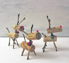 Diy Deer Christmas Decorations by 25 Christmas Decorations Made With Recycled Materials