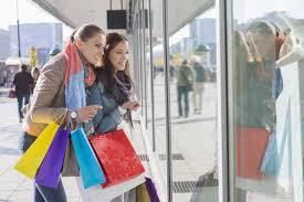 a importância da vitrine nas vendas junto ao manequim the são