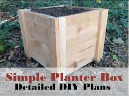 how to build this super easy planter box diy cedar planter box