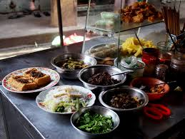 Singapore Food Guide 25 Must Eat Dishes U0026 Where To Try Them How To Eat Street Food Without Getting Sick Legal Nomads