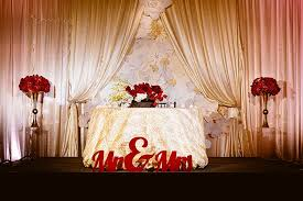bride and groom sweetheart table bride and groom table centerpiece talentneeds com
