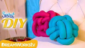 knot pillows diy knot pillow spirit diy youtube