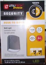 utilitech pro led security light utilitech pro 23 watt white led dusk to dawn security light ebay