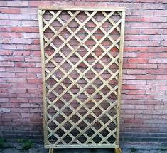 traliccio legno griglia in legno per giardino traliccio per ricanti grata