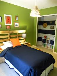 Green Bedroom Wall What Color Bedspread Bedroom Excellent Custom Wooden Head Boards Single Bed With Blue
