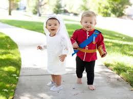 Halloween Costumes Mom Toddler Mom Wins Halloween Toddler U0027s Amazing Costumes