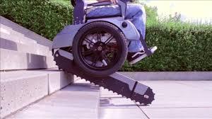 sedie per disabili per scendere scale scalevo la sedia a rotelle pu祺 salire le scale wired