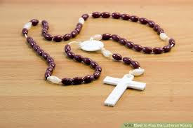 lutheran rosary how to pray the lutheran rosary 12 steps with pictures